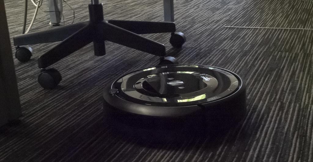 iRobot_Roomba_e5_05