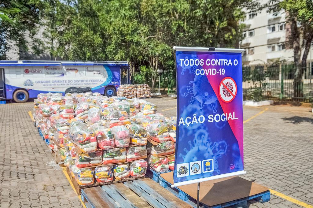 Maçons doam 15 toneladas de alimentos para o GDF
