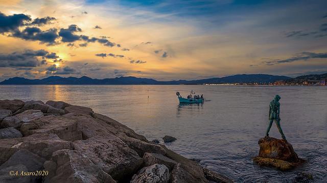Amphitrite veille! Port Canto. Cannes