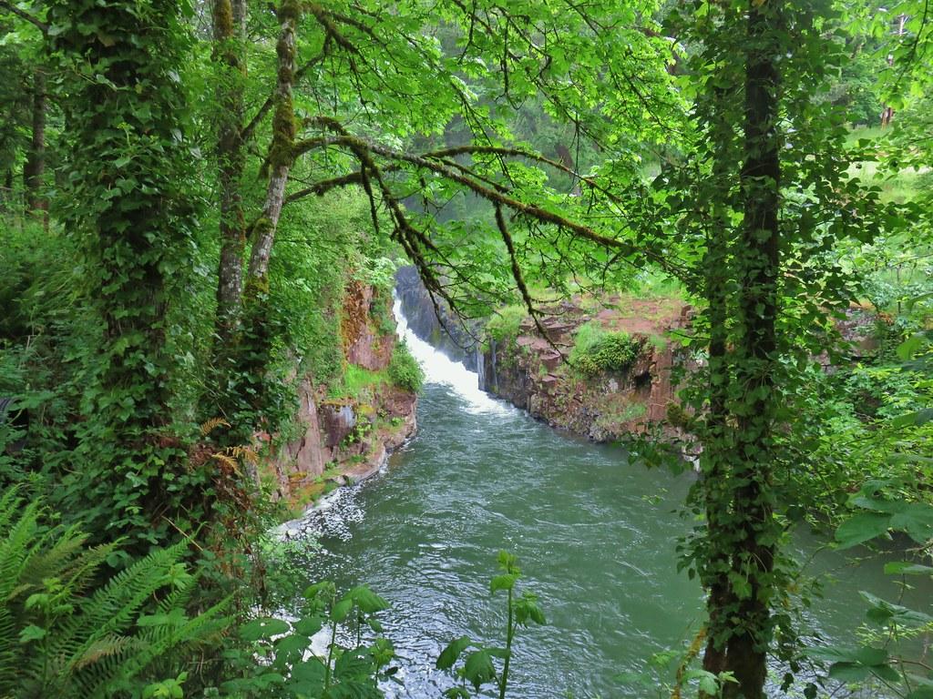 Falls City Falls
