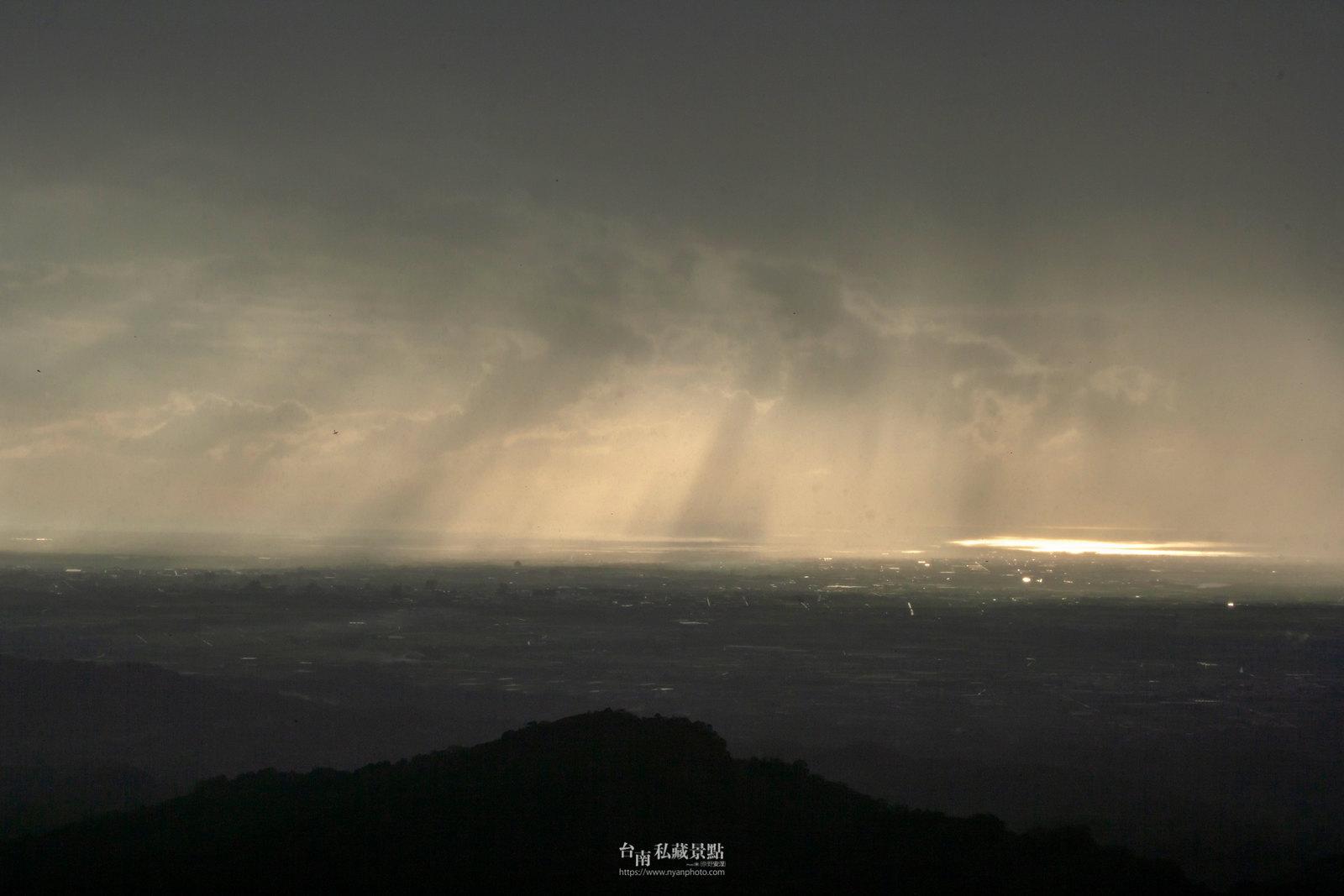 台南最高處夜景在哪兒? 五隆園咖啡民宿 | 我們是來吃桶仔雞跟避暑的