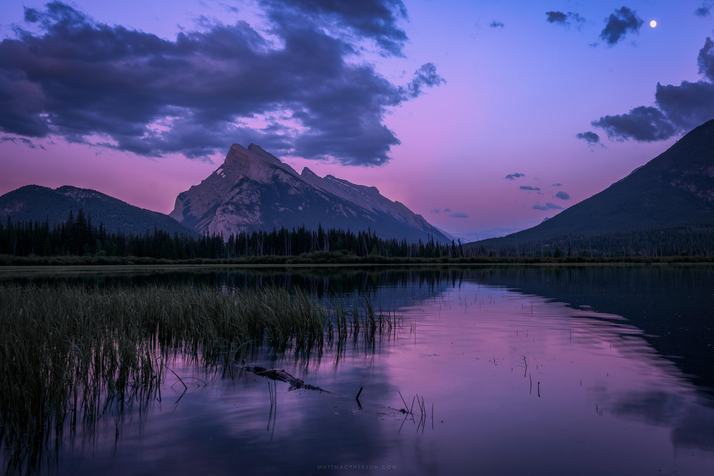 Full moon at twilight at Vermillion Lake, Banff [OC][3000x2000]