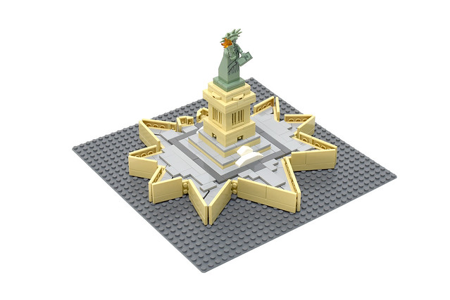 Lego Miss Liberty - atana studio