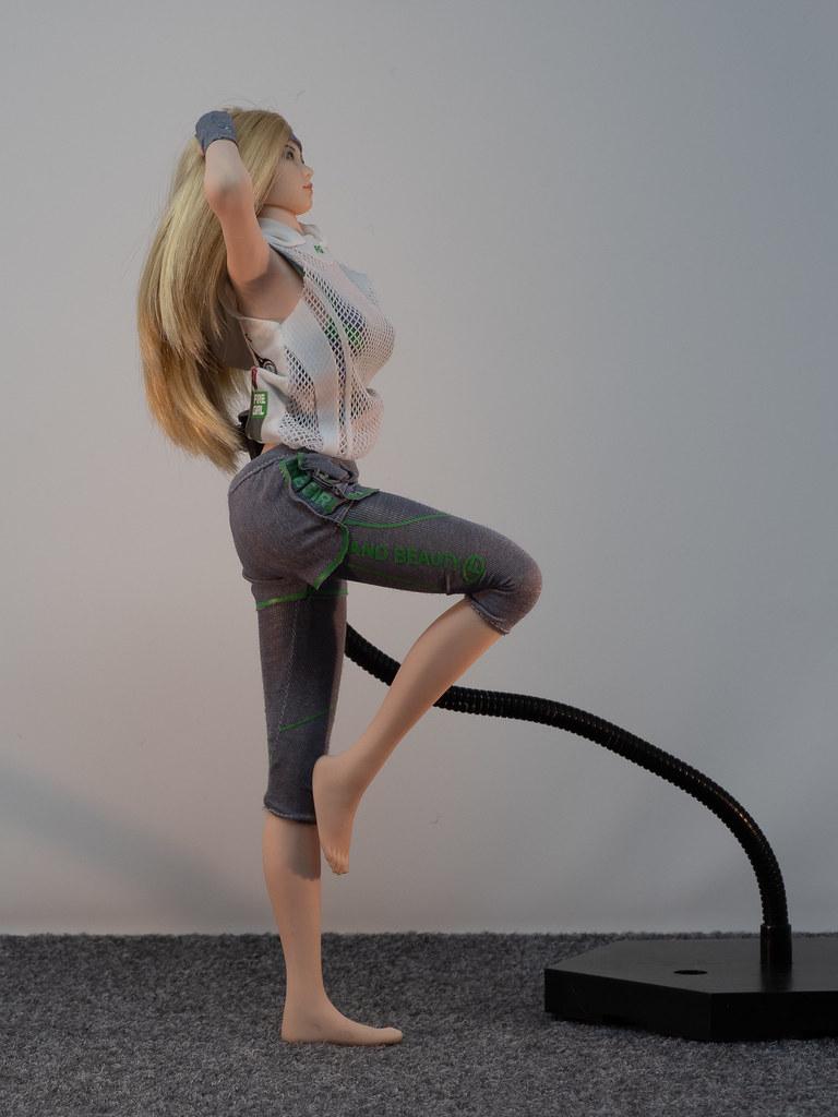 Phicen Female Posing Guide 49905019468_d967e0eaea_b