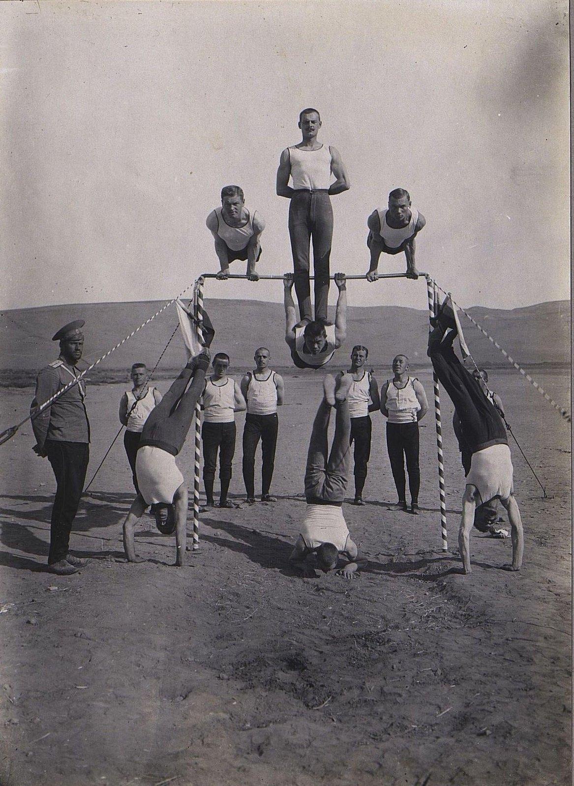 85. Акробатические упражнения