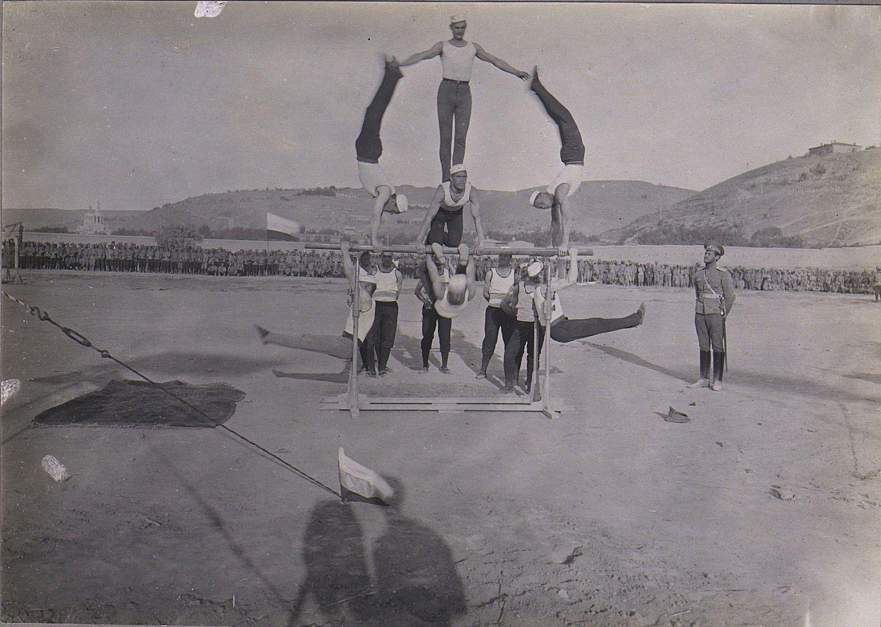 68. Акробатические упражнения