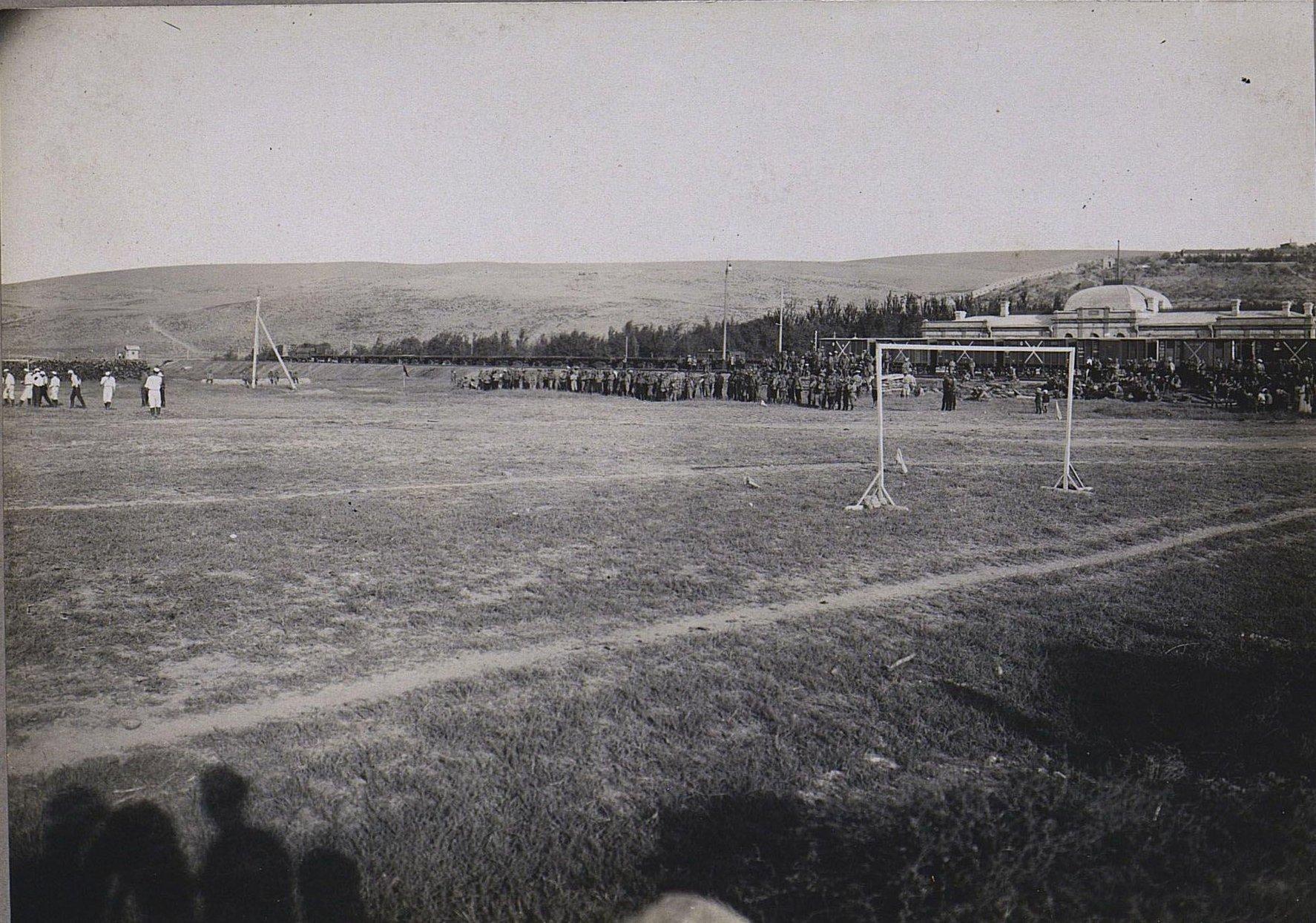 66. Игра в футбол