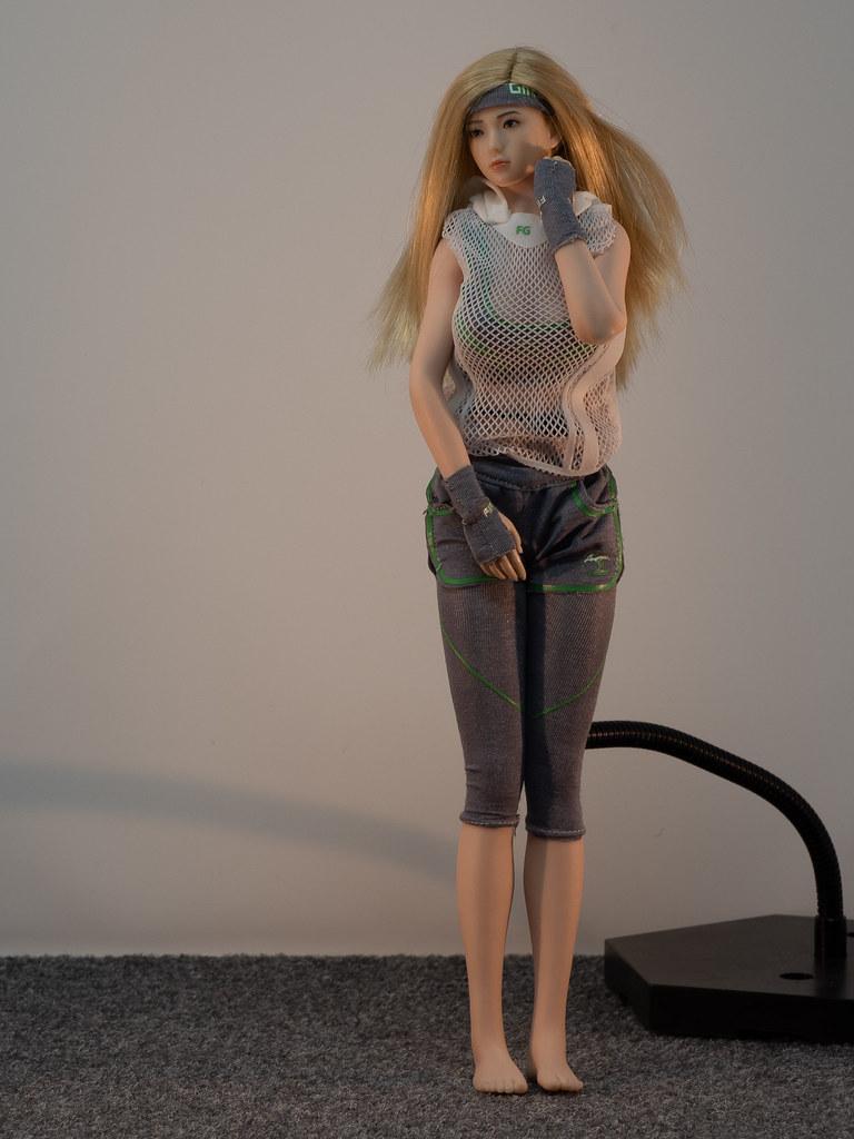 Phicen Female Posing Guide 49905534486_5bdb737091_b