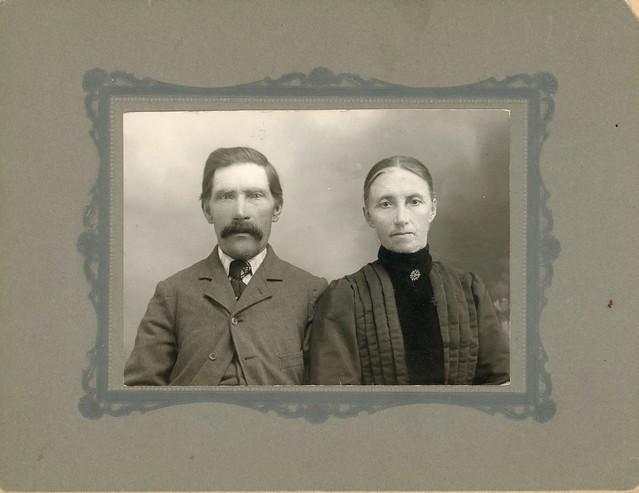Henry and Julia (Wee) Hetland