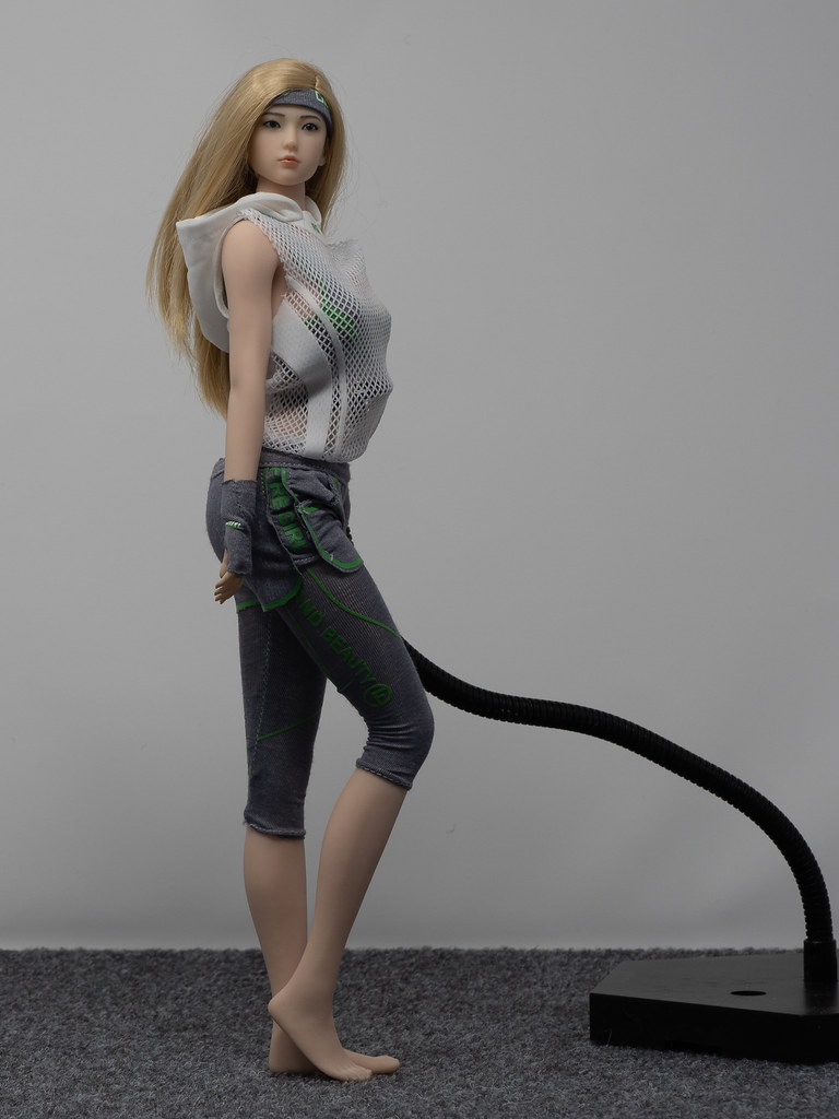Phicen Female Posing Guide 49905835997_797ee45604_b