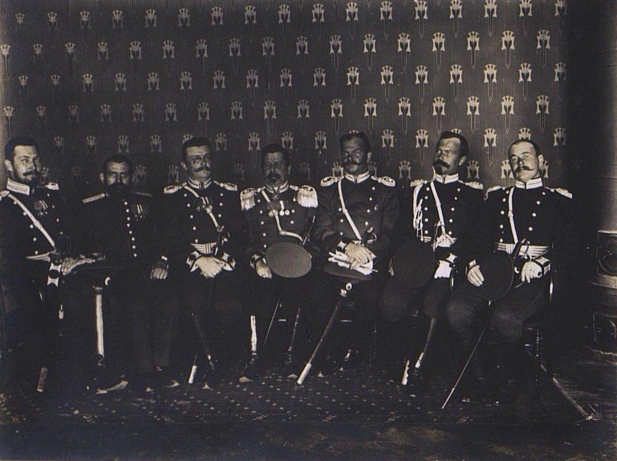 64. Группа офицеров