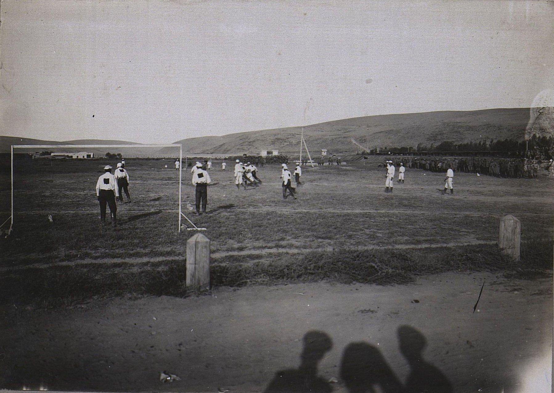 67. Игра в футбол