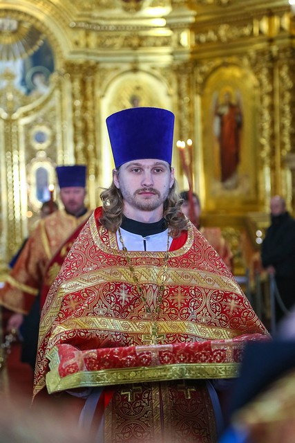 17 мая 2020, В Неделю 5-ю по Пасхе митрополит Кирилл совершил Литургию в Казанском соборе