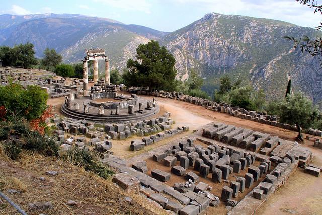 Tempio di Atena Pronaia 01