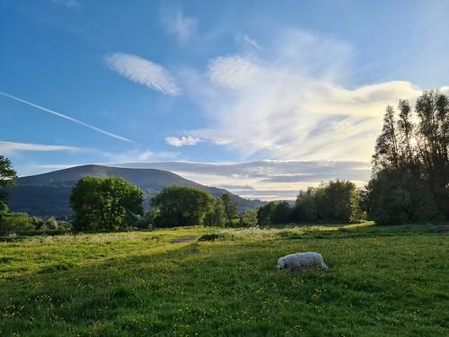 Castle Meadows, Abergavenny. (threejumps)