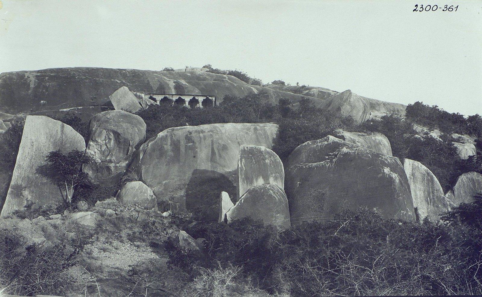 Мамаллапур (пещерный храм. Общий вид)