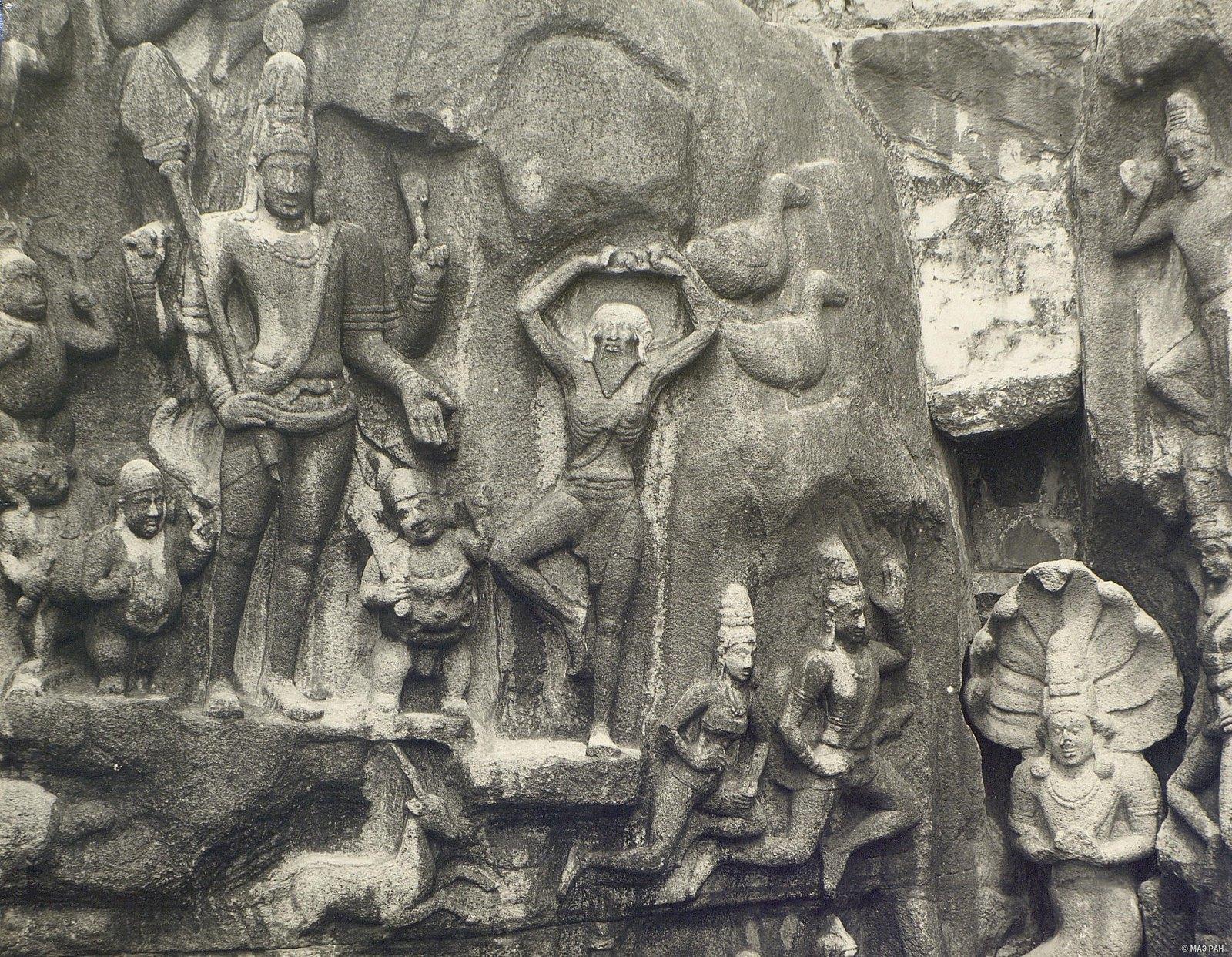 Мамаллапур (общий план скалы с изображениями)