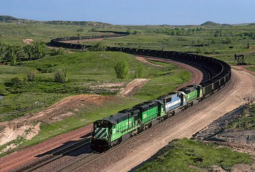 burlingtonnorthernsantafe bnsf burlingtonnorthern bn ge c307 5096 coaltrain curves unittrain orinline donkeycreek wyoming train railroad powderriverbasin locomotive wy