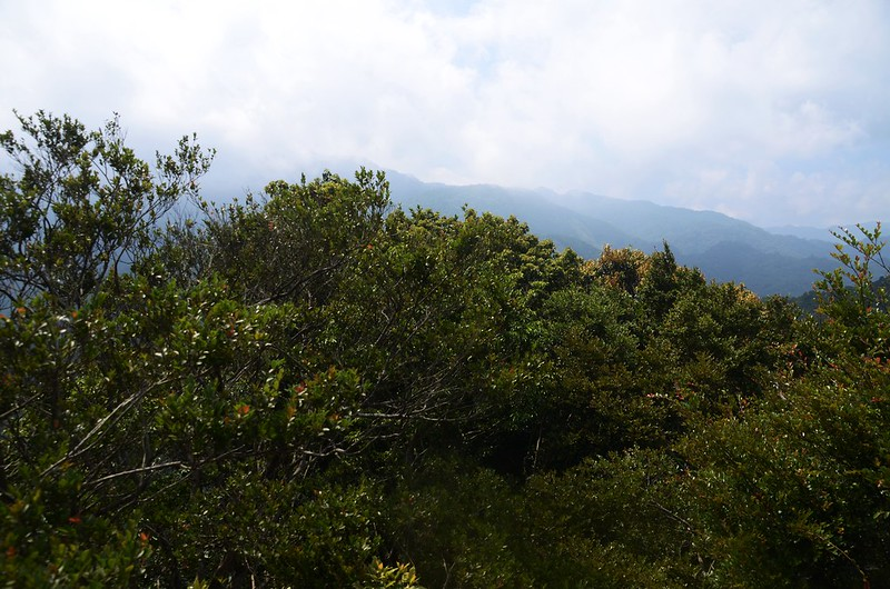 觀音山山頂巨岩南望群山 (1)