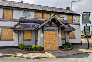 Closed and boarded up Withy Trees pub in Preston | by Tony Worrall