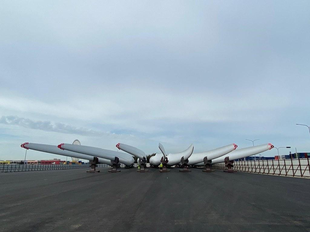 允能離岸風場使用的西門子歌美颯零組件4月底抵達台中港。圖片來源:西門子歌美颯