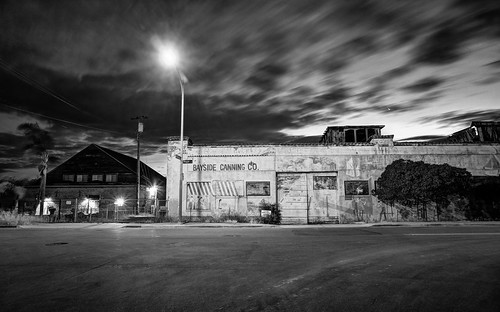 alviso sanjose california usa siliconvalley sanfranciscobay sanfranciscobayarea southbay house building factory abandoned cannery baysidecanningco street night outdoor sky clear vignette monochrome blackandwhite sony a6000sony a6000 selp1650 3xp raw photomatix hdr qualityhdr qualityhdrphotography longexposure fav100