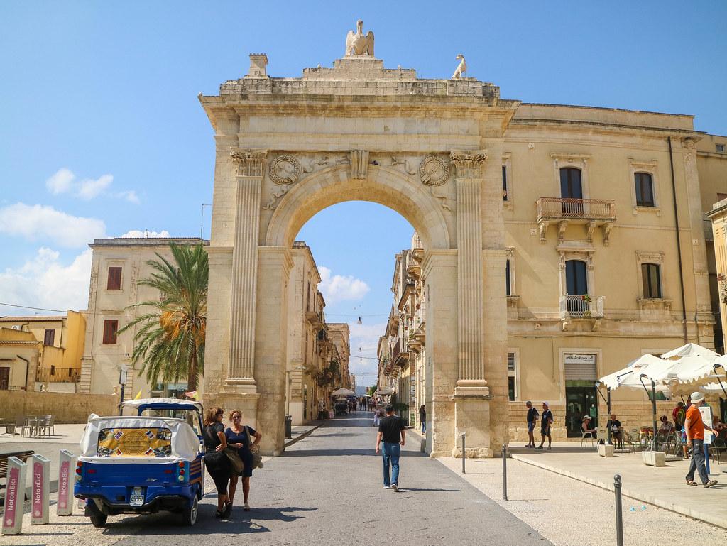 La Porta Reale es uno de los lugares que ver en Noto