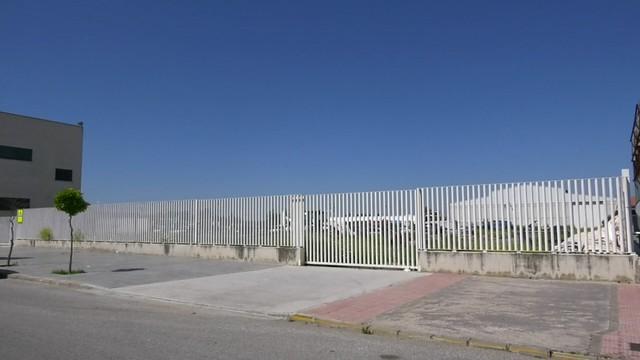 Terrenos destinados a la edificación del nuevo Parque de Bomberos de Los Palacios y Vfca