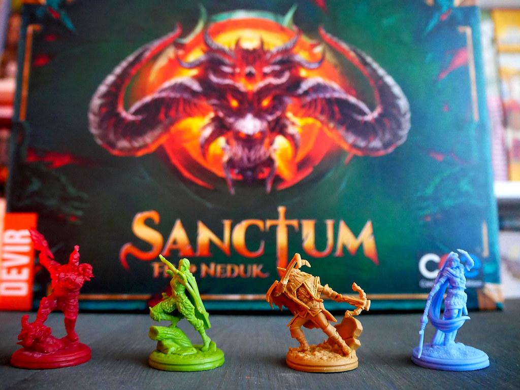 SANCTUM  - Minis y Caja