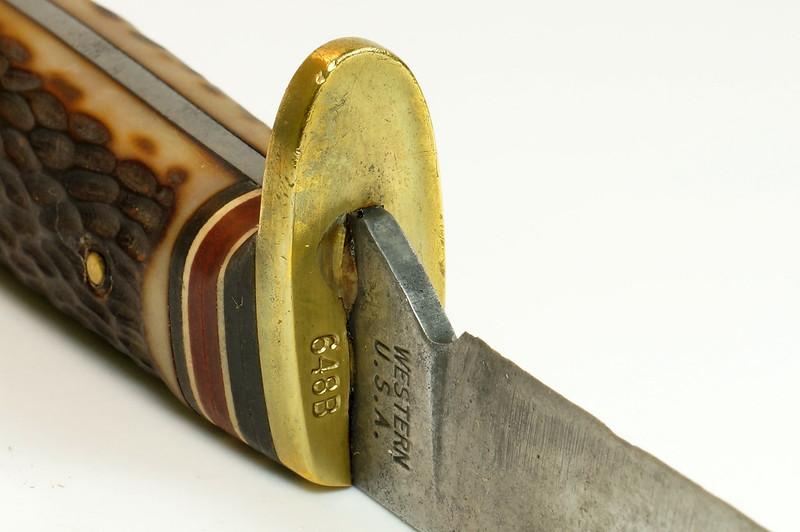 RD29675 Vintage 1967-1977 Western Hunting Knife 648B with Original Acorn Sheath DSC04655