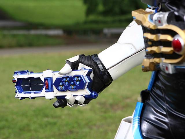 CSM《假面騎士KIVA》假面騎士 IXA 變身道具「IXA腰帶& IXA Riser(イクサベルト&イクサライザー)」發售確定!