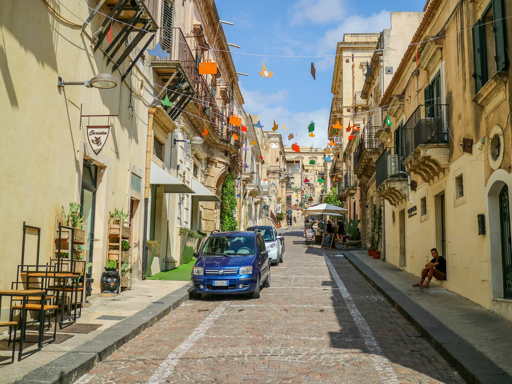 Calle del centro de Noto