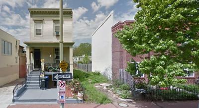 Frame Italianate rowhouse, 800 block of 10th Street NE, Washington, DC
