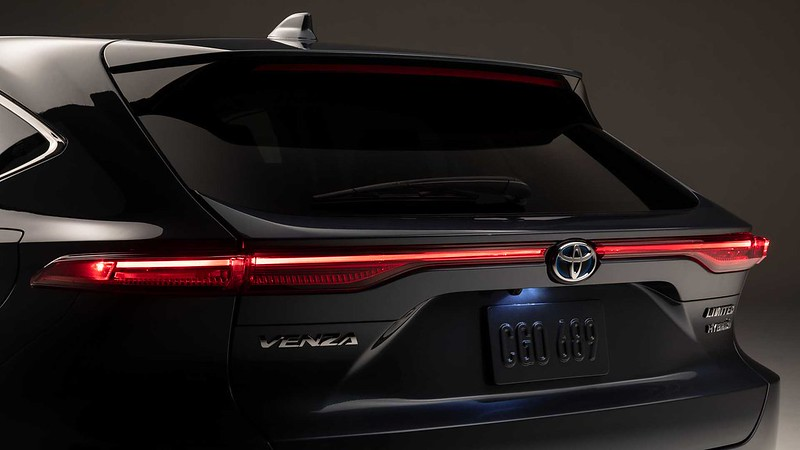 2021-toyota-venza-debut (7)