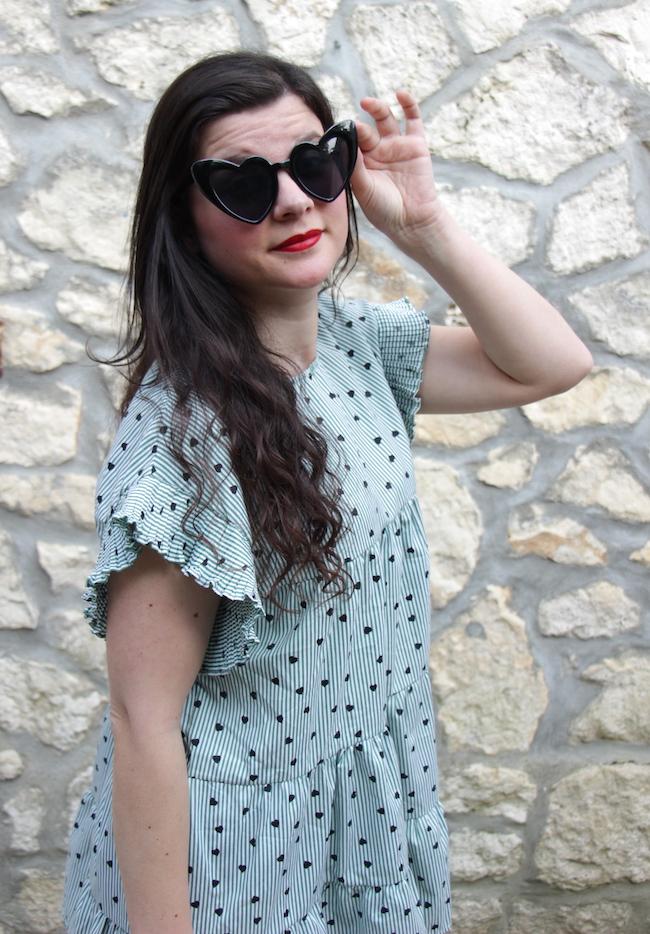 look-robe-babydoll-verte-a-coeurs-et-sandales-compenses-blog-mode-la-rochelle-2