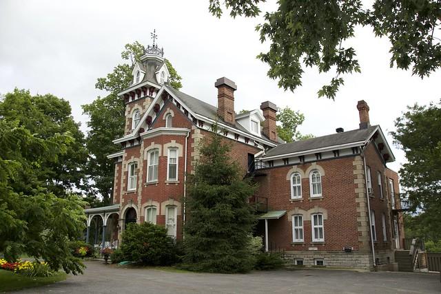 Gananoque Ontario ~ Canada ~Auberge Victoria Rose Inn ~ Historical Mansion