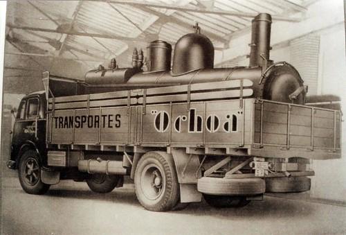 Transports Ochoa camió carregat locomotora