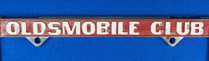 RD29938 Oldsmobile Club of America Vintage Metal License Plate Frame Tag Holder Olds DSC04738