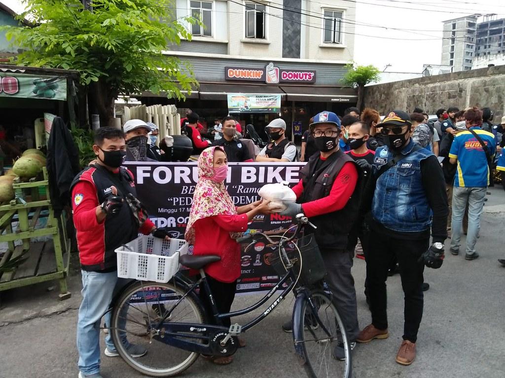 Forum Bikers Berbagi Ramadhan Peduli Pandemi Covid-19 1