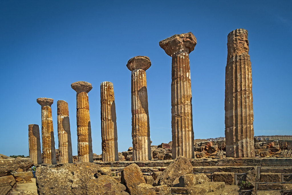 Ciri. Templo de Heracles o Hercules, s. VI. a.C. el mas antiguo de Akragos