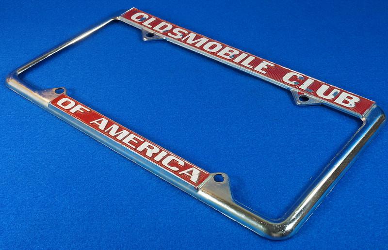 RD29938 Oldsmobile Club of America Vintage Metal License Plate Frame Tag Holder Olds DSC04746
