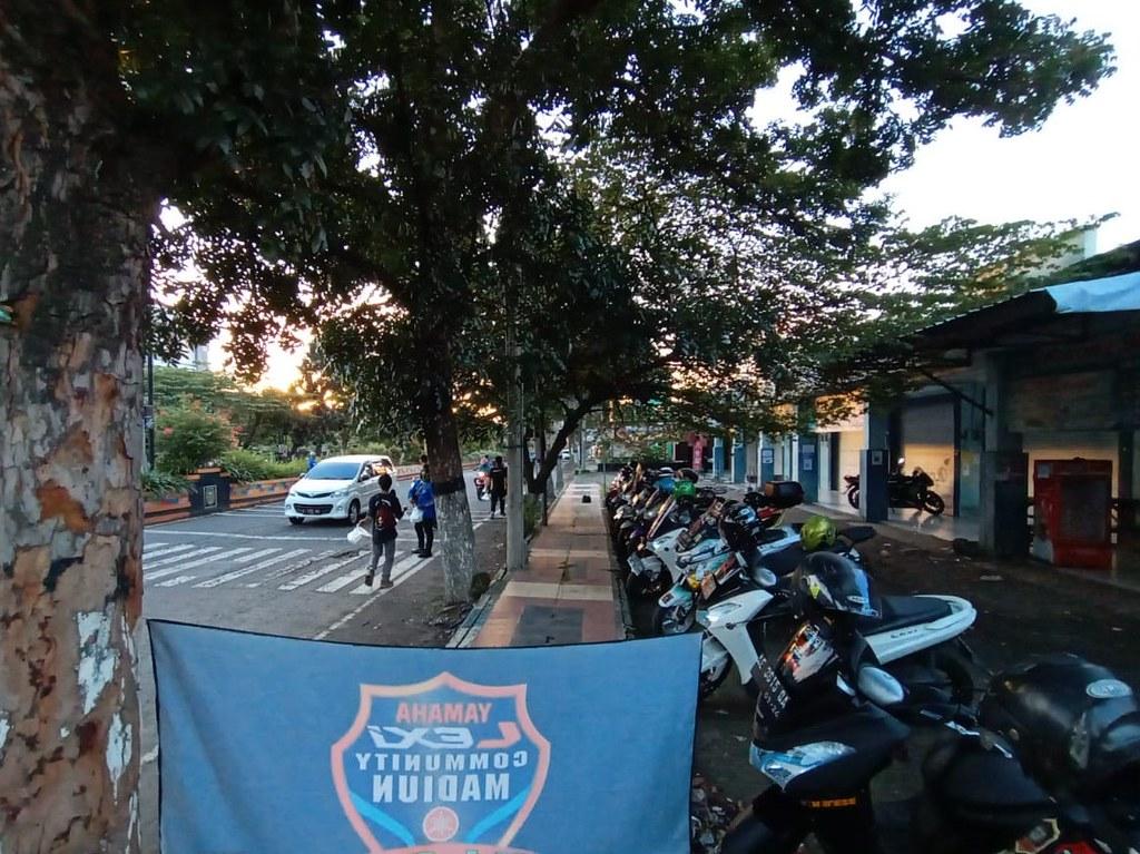Yamaha Lexi Community Indonesia (YLCI) dalam aktivitas Ramadhan Berbagi Berkah (4)