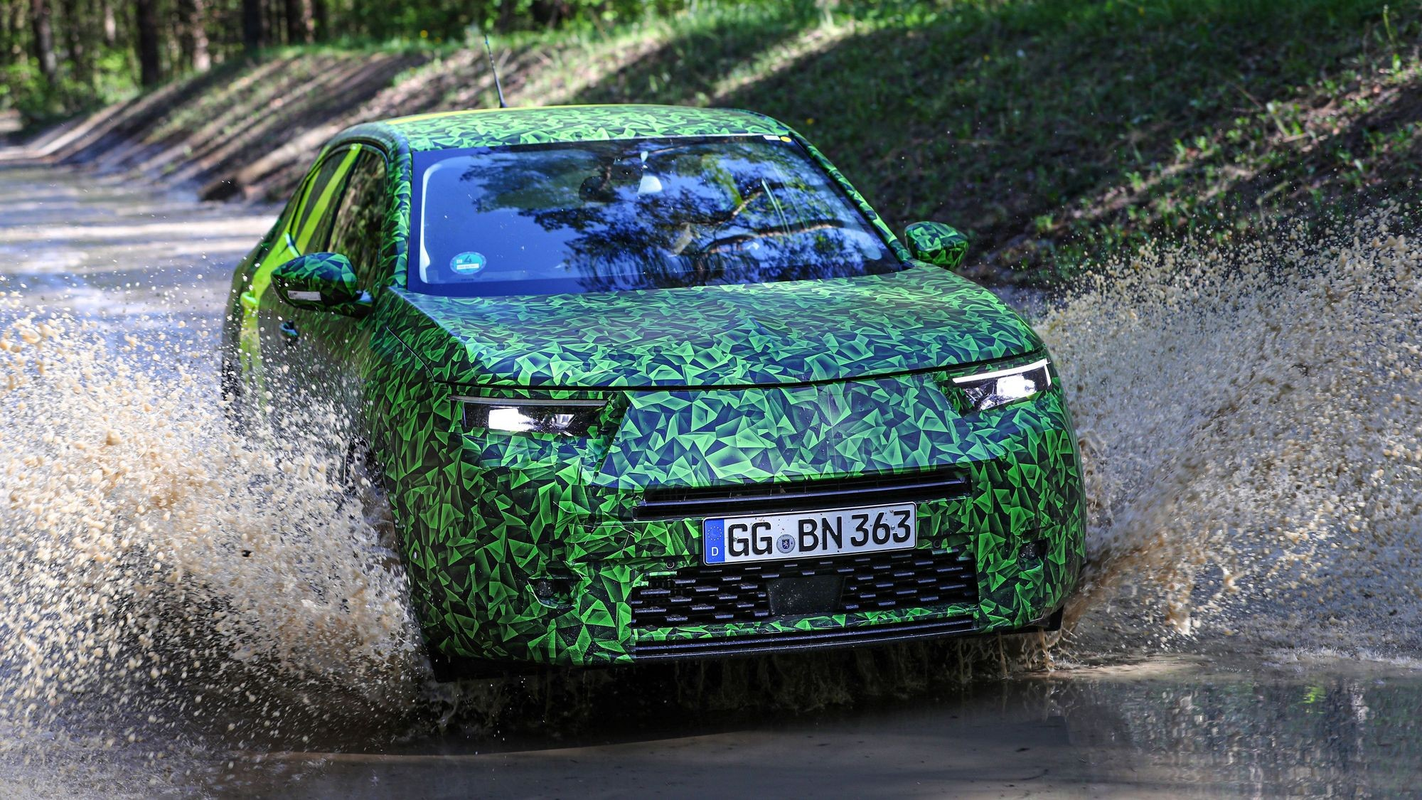 Opel Mokka со сменой поколений похудеет на 120 кг, станет азартнее и тише