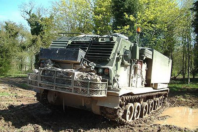 M270 MLRS 2