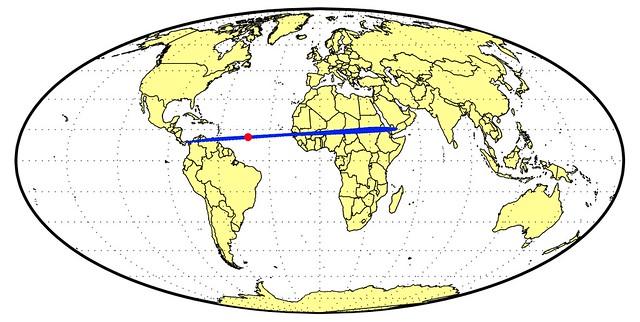 VCSE - Kék: a 2014 AA valószínűsíthető pályája a légkörben (kék), és a légkörbeni robbanás helye infrahang-detektorok mérései nyomán (piros). A kép kattintásra megnő. - Forrás: wikipédia