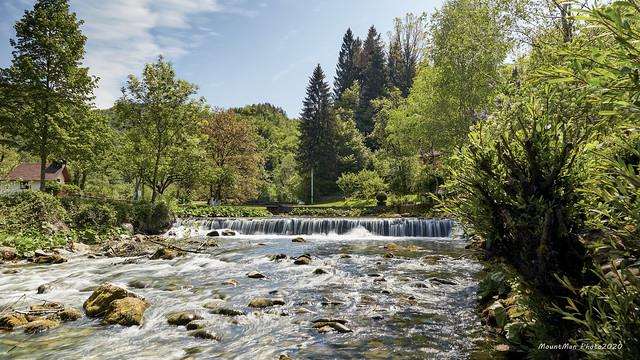 Potok Curak u selu Ložac