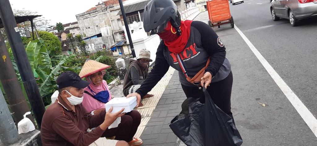 Yamaha Lexi Community Indonesia (YLCI) dalam aktivitas Ramadhan Berbagi Berkah (9)