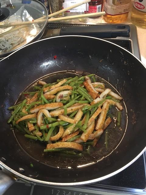 カタハとさつま揚げの炒め煮