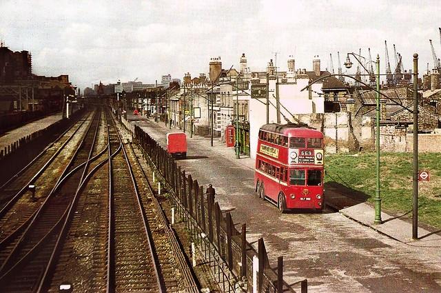 London Transport DLY582