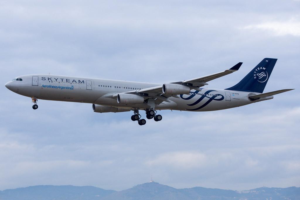 Aerolíneas Argentinas A340-313X LV-FPV